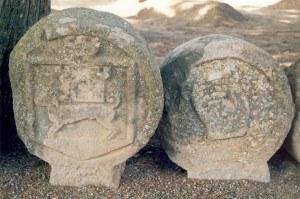 Cementiri-Esteles-funeraries-5-300x199.jpg